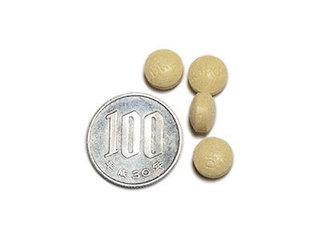 DHC マルチビタミン&ミネラル、サプリメントの大きさを比較