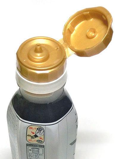 創味のつゆはプッシュ式ボトルで使いやすい