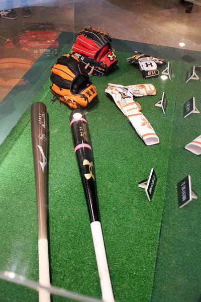 王貞治 ベースボールミュージアム、柳田と今宮使用のバットなども展示